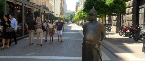 a statue of a policeman near the Basilica